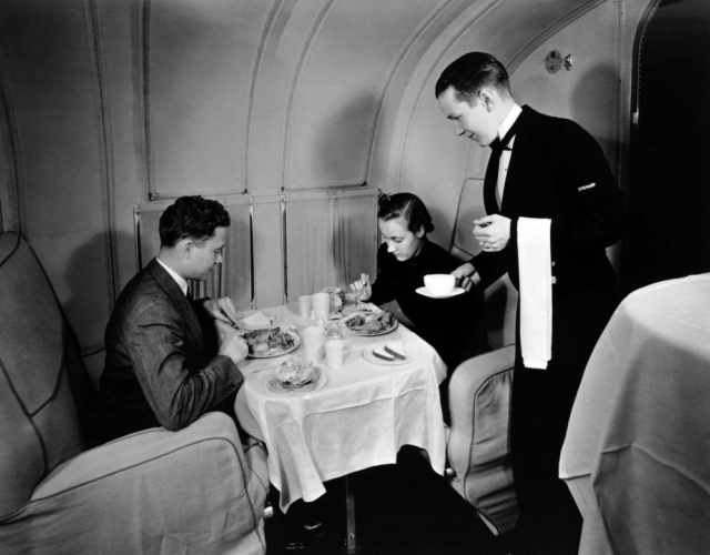 golden-age-air-travel-waiter