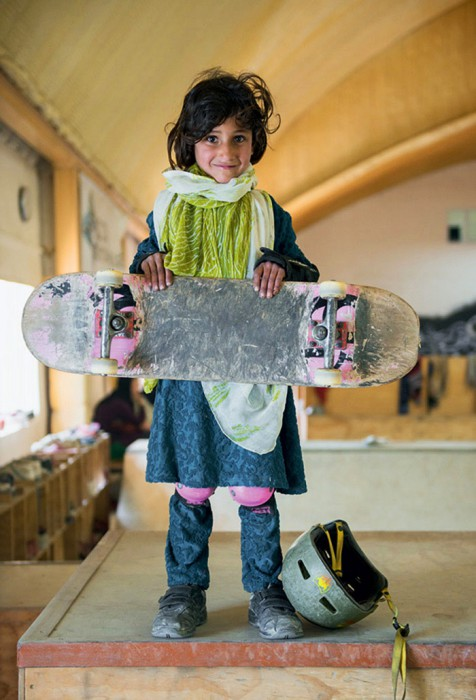 skateistan-niñas-monopatin-afganistan-jessica-fulford-dobson-1