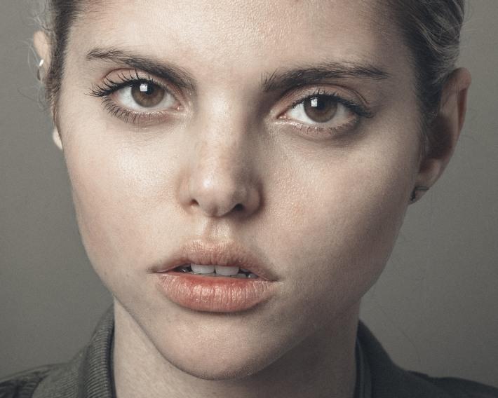 Gabrielle Cosentino @gabriellecosentino Styled by Signé Furna @signefurna by Nastia Cloutier-Ignatiev @nastia.jpg2