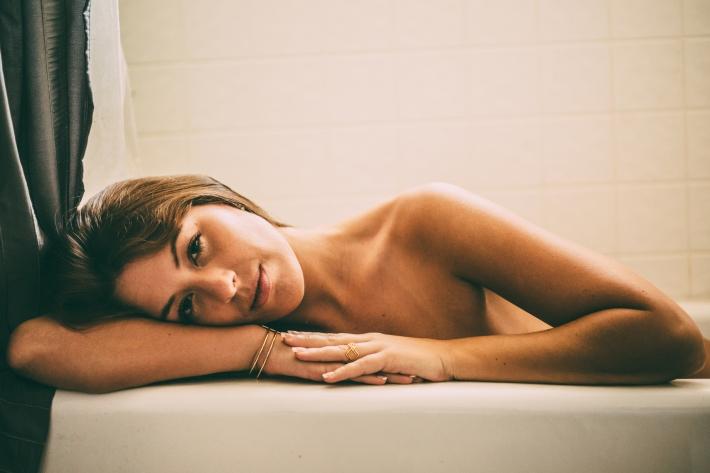 Miranda_shower_01