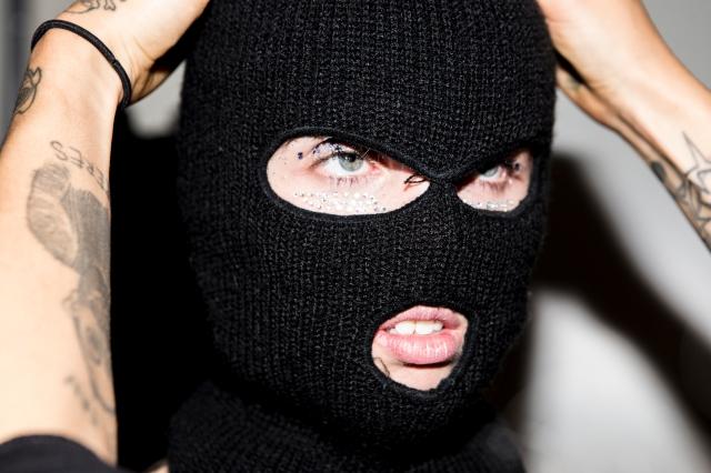 img_3600-photo-karolina-gorzelanczyk-model-erika-janavi-stylist-ane-kruse